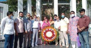 ময়মনসিংহে শহীদ নুর হোসেন দিবসে  শহীদ মিনারে জেলা আ'লীগের  শ্রদ্ধা